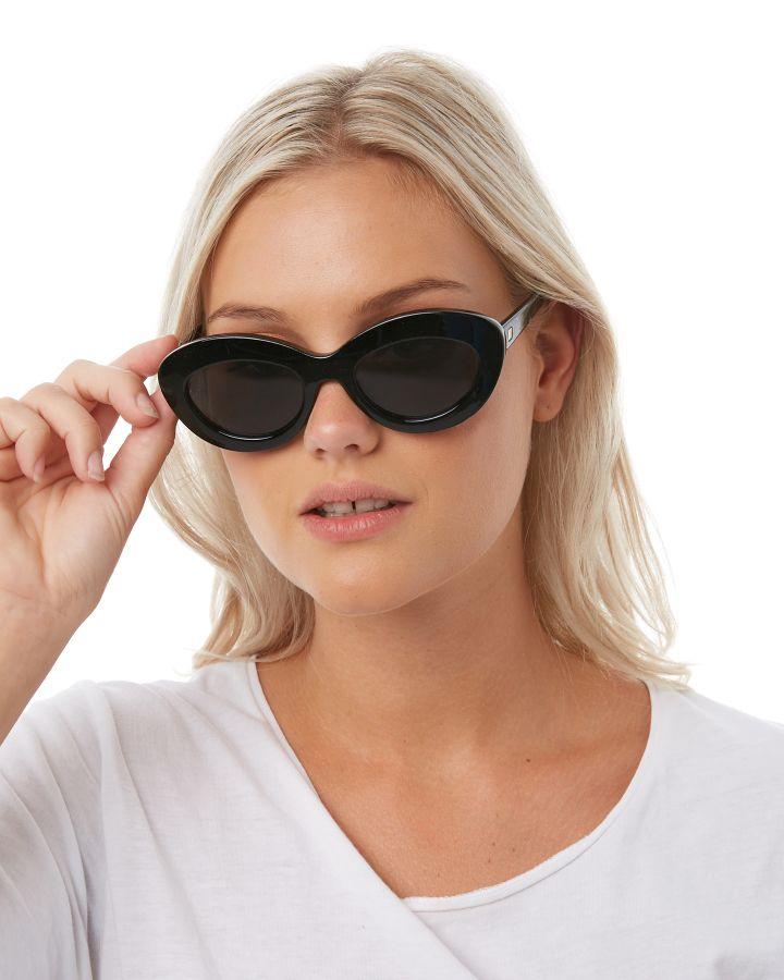 Fluxus Cat Eye Sunglasses In Black - Black Le Specs RkNo0CUpe