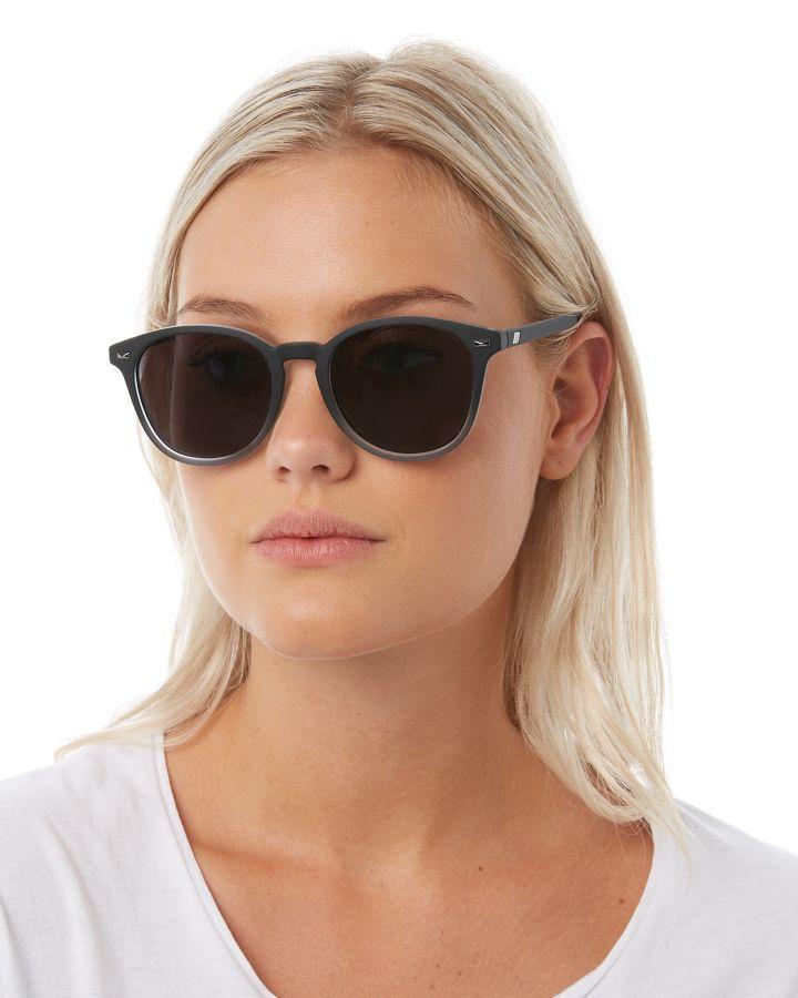 4a48cb972c Le Specs Men s Bandwagon Sunglasses Rubber Glass 9324976267610