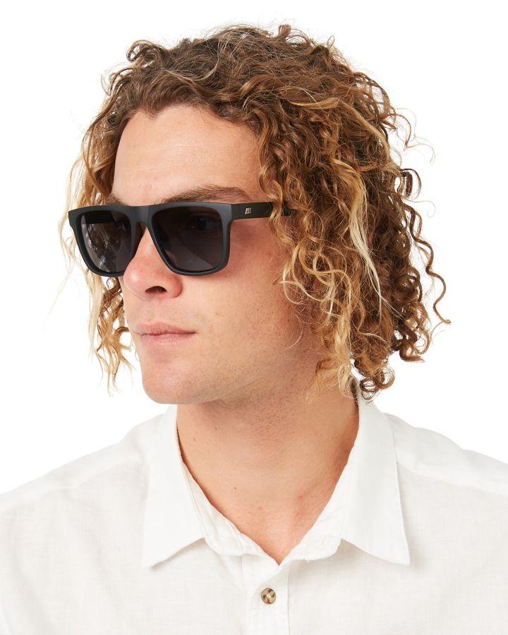 e14039f82a1 Le Specs Men s The Boss Sunglasses Glass Black 9324976275974