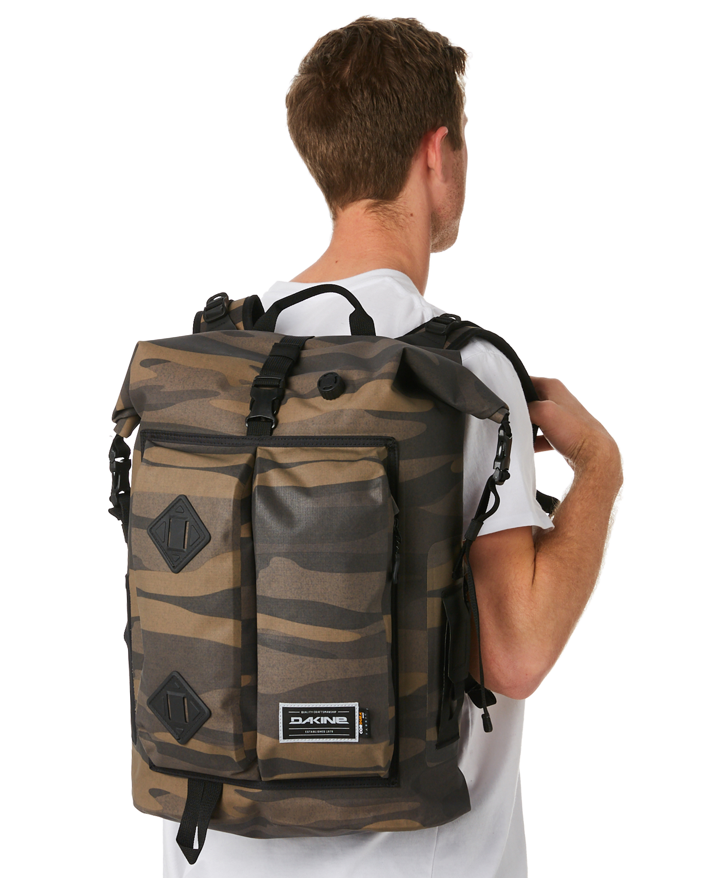 New Dakine Men s Cyclone Ii Dry 36L Waterproof Backpack Mesh Green ... 0800fd79e84b8