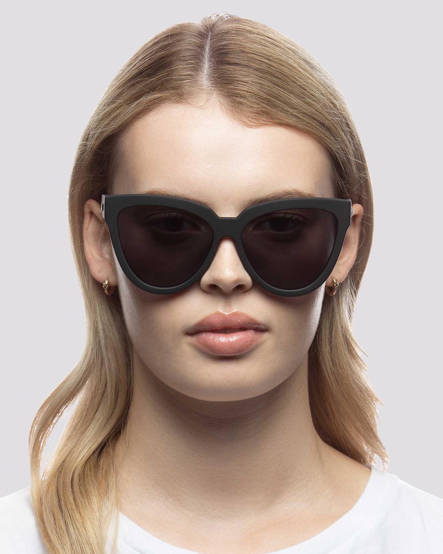 1157fbb68a Le Specs Women s Liar Liar Polarized Sunglasses Stainless Steel Glass Black