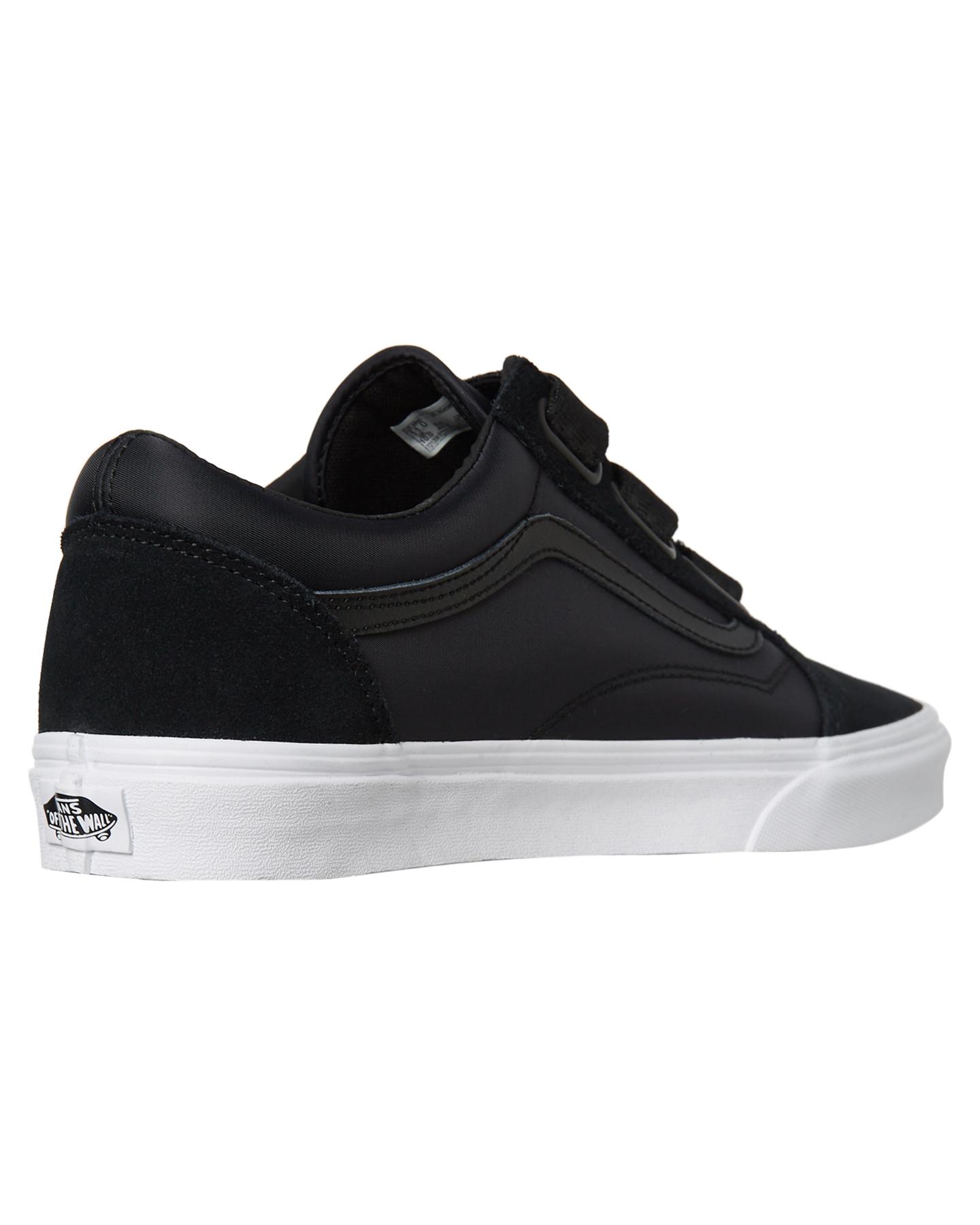 0a41ece02b New Vans Women s Womens Old Skool V Shoe Rubber Black