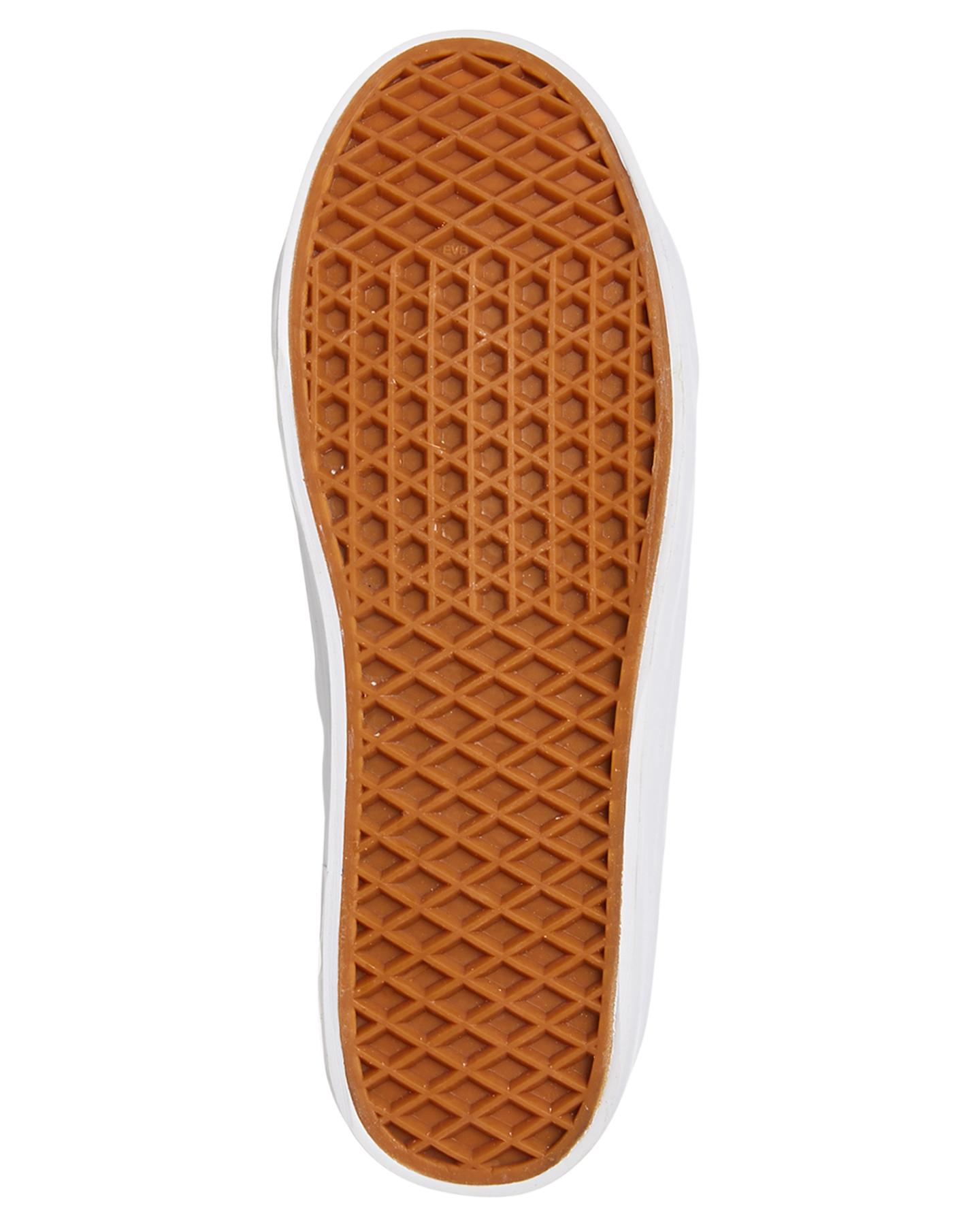 New-Human-Footwear-Women-039-s-Womens-Cass-Shoe-Rubber thumbnail 7
